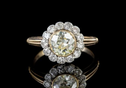 ANTIQUE VICTORIAN FANCY CHAMPAGNE DIAMOND CLUSTER RING 15CT GOLD CIRCA 1900 front